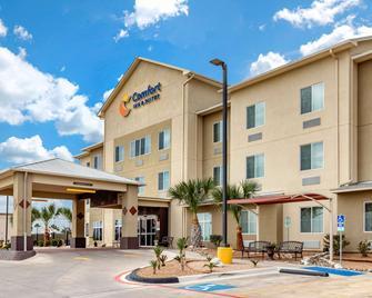 Comfort Inn & Suites Lakeside - Eagle Pass - Building