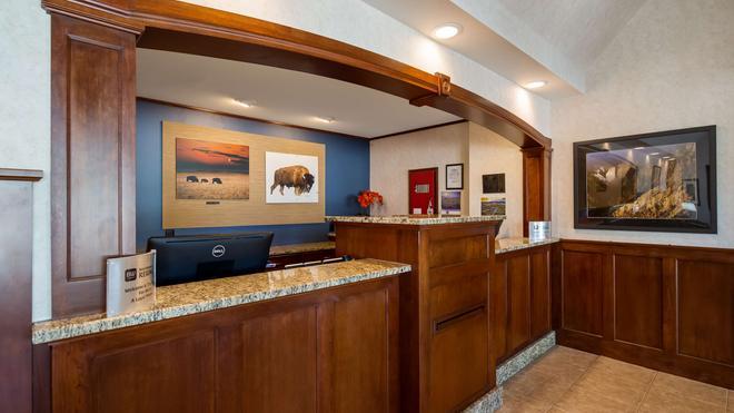 SureStay Plus Hotel by Best Western Buffalo - Buffalo - Front desk