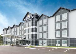 Microtel Inn & Suites by Wyndham Sudbury - Sudbury - Building