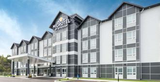 Microtel Inn & Suites by Wyndham Sudbury - סאדברי (אונטריו)