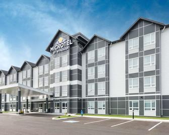 Microtel Inn & Suites by Wyndham Sudbury - Садбері - Building