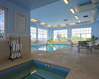Country Inn & Suites by Radisson, Orangeburg, SC - Orangeburg - Pool
