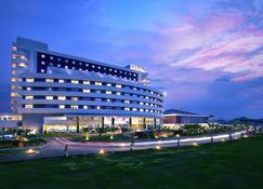 Aston Cirebon Hotel & Convention Center - Cirebon - Κτίριο
