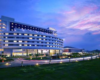 Aston Cirebon Hotel & Convention Center - Cirebon - Building