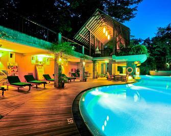 Grand Udawalawe Safari Resort - Embilipitiya - Pool