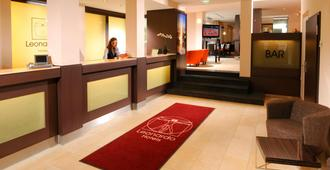 Leonardo Hotel München City Center - Munich - Front desk