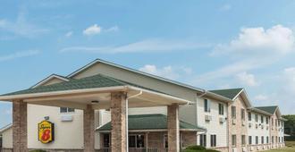 Super 8 by Wyndham Greenville - Greenville - Edificio