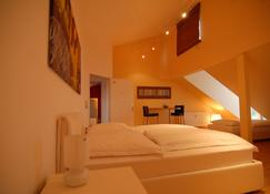 Dreamhouse - rent a room - Pulheim - Bedroom