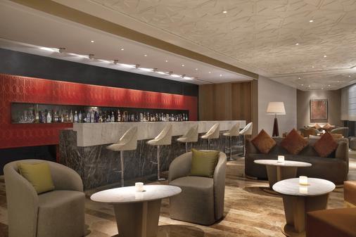 The Leela Ambience Convention Hotel, Delhi - New Delhi - Bar