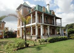 Meva Guesthouse - Ταναναρίβη - Κτίριο