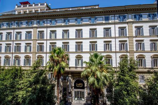Hotel Savoy - Rome - Building