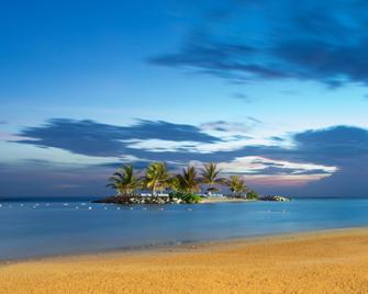 Holiday Inn Sunspree Resort Montego Bay - Montego Bay - Beach