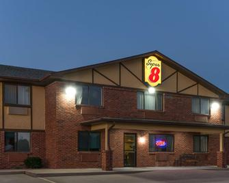 Super 8 by Wyndham Warrenton - Warrenton - Building
