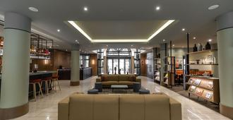 Adina Apartment Hotel Budapest - בודפשט - טרקלין