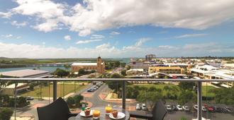 Oaks Mackay Rivermarque Hotel - Mackay - Balcony