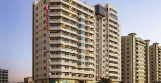 Ramada by Wyndham Beach Hotel Ajman - Ajman