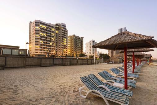 Ramada by Wyndham Beach Hotel Ajman - Ajman - Praia