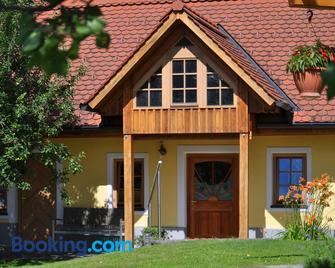 Haus Schönegger - Kitzeck im Sausal - Gebouw