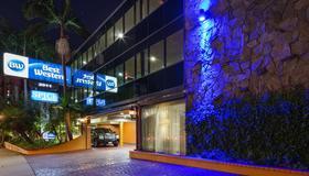 Best Western Hollywood Plaza Inn-Hollywood Walk of Fame Hotel-LA - Los Angeles - Building