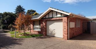 Best Western Ambassador Motor Inn & Apartments - Wagga Wagga