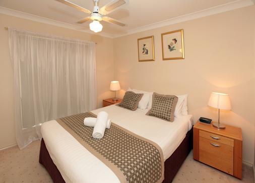 Best Western Ambassador Inn - Wagga Wagga - Bedroom
