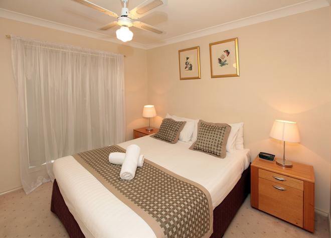 Best Western Ambassador Motor Inn & Apartments - Wagga Wagga - Bedroom