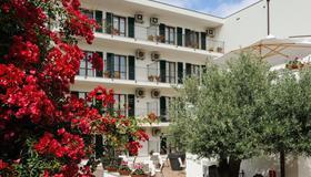 Hotel Angedras - Alghero - Gebäude