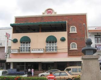 Hotel Rex - Chitré - Edificio