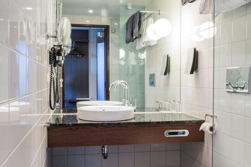 波斯特號角酒店 - 哥德堡 - 浴室