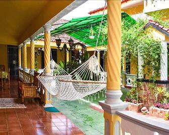 Alcazar Family Resort - Gibara - Patio