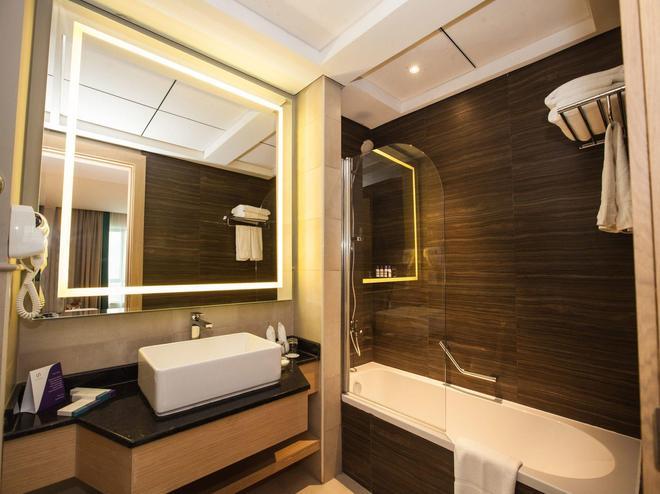 Flora Inn Hotel Dubai Airport - Ντουμπάι - Μπάνιο