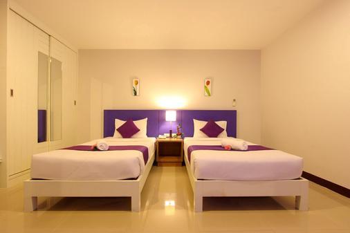 Baramee Hip Hotel - Patong - Bedroom