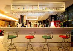 Baramee Hip Hotel - Patong - Bar