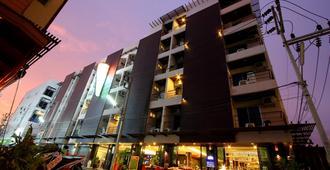 Baramee Hip Hotel - Patong - Extérieur