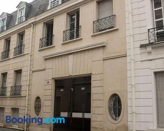 Centre Ville Chateau - Fontainebleau - Building