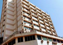 Hotel Poonja International - Mangalore - Building