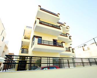 OYO 38009 The Sai Villa - Panchkula - Gebäude