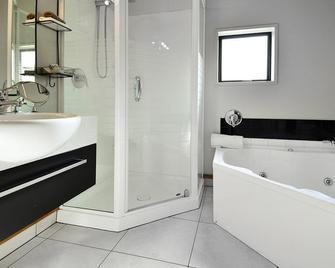 Palms Motel - Nelson - Bathroom