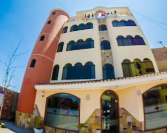 Hotel Arunta - Tacna - Building