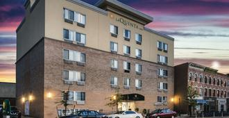 La Quinta Inn & Suites by Wyndham Brooklyn Downtown - Brooklyn - Edificio