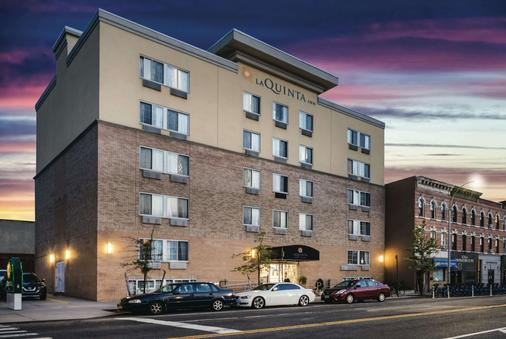 La Quinta Inn Suites by Wyndham Brooklyn Downtown - Brooklyn - Building