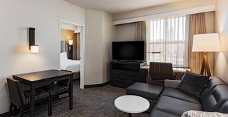 Residence Inn by Marriott Louisville Downtown - Louisville - Wohnzimmer