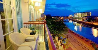 Lantana Boutique Hotel Hoi An - הוי אן - מרפסת