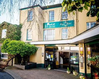 The Ivy Bush Royal Hotel By Compass Hospitality - Carmarthen - Edificio