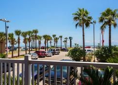 Quality Inn and Suites Beachfront - Galveston - Edificio