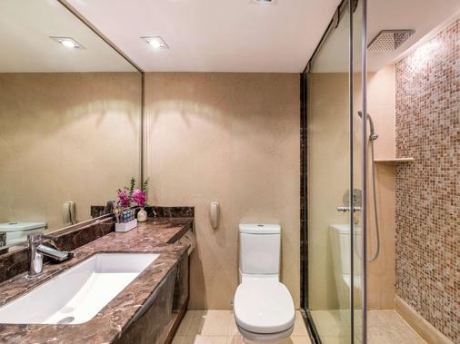 Novotel Beijing Peace - Beijing - Bathroom