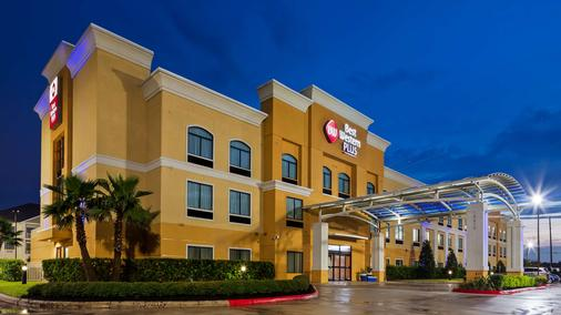 Best Western Plus JFK Inn & Suites - Houston - Rakennus