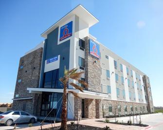 Studio 6 Buda, TX - Buda - Building