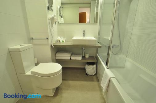 Hotel & Spa Real Jaca - Jaca - Bathroom