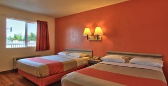 Motel 6 Sacramento North - סקרמנטו - חדר שינה